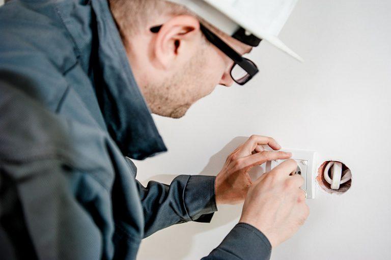 Podłączenia płyt indukcyjnych i ceramicznych, przyłącza budowlane